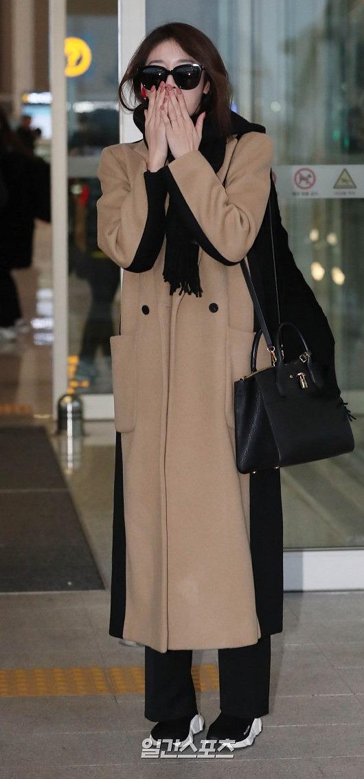 Ji Yeon (T-ara) xuất hiện như nữ thần tại sân bay, sang Việt Nam tham dự sự kiện âm nhạc lớn nhất năm - Ảnh 3