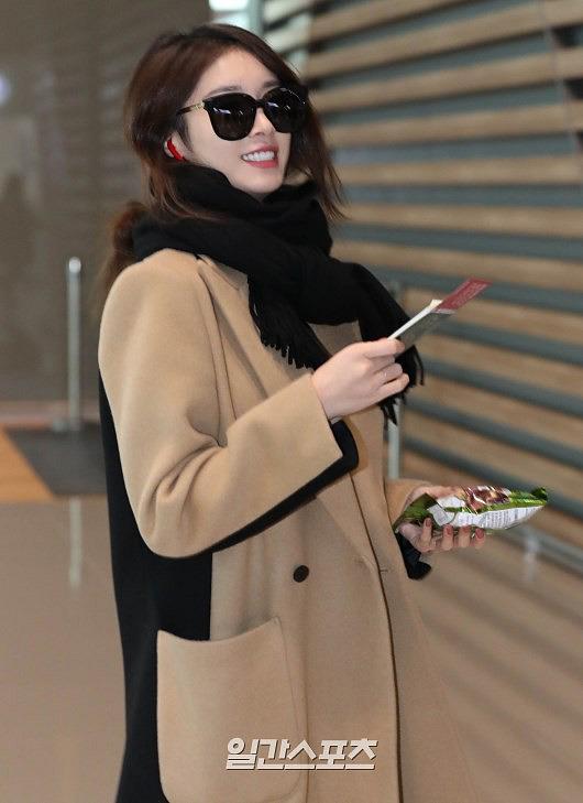 Ji Yeon (T-ara) xuất hiện như nữ thần tại sân bay, sang Việt Nam tham dự sự kiện âm nhạc lớn nhất năm - Ảnh 5