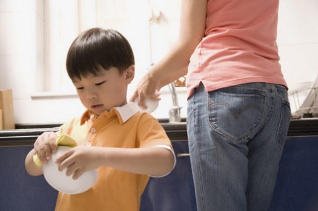 Những điều nên và không nên làm khi nuôi dạy con trẻ - Ảnh 1