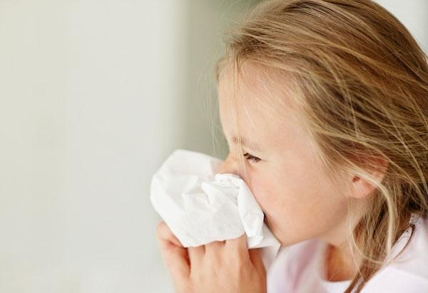 Những dấu hiệu nhận biết khi trẻ nhiễm virus RSV - Ảnh 1