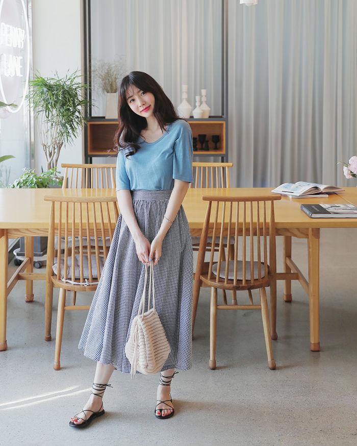 4 kiểu chân váy dài qua gối cực phù hợp để diện trong ngày Tết, vừa đẹp vừa không lo hớ hênh - Ảnh 10