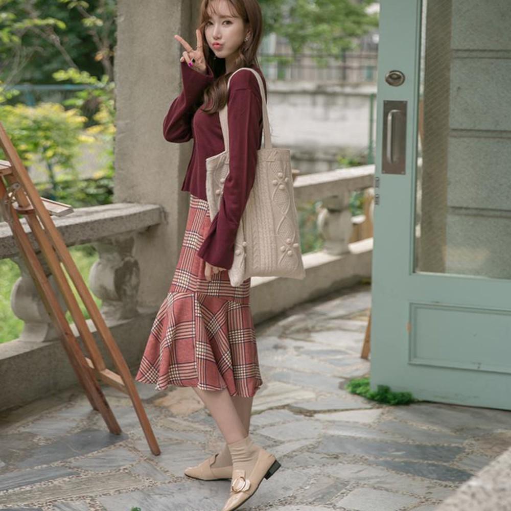 4 kiểu chân váy dài qua gối cực phù hợp để diện trong ngày Tết, vừa đẹp vừa không lo hớ hênh - Ảnh 11