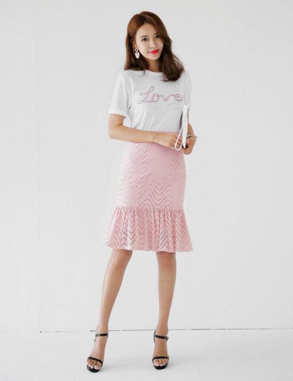 4 kiểu chân váy dài qua gối cực phù hợp để diện trong ngày Tết, vừa đẹp vừa không lo hớ hênh - Ảnh 12