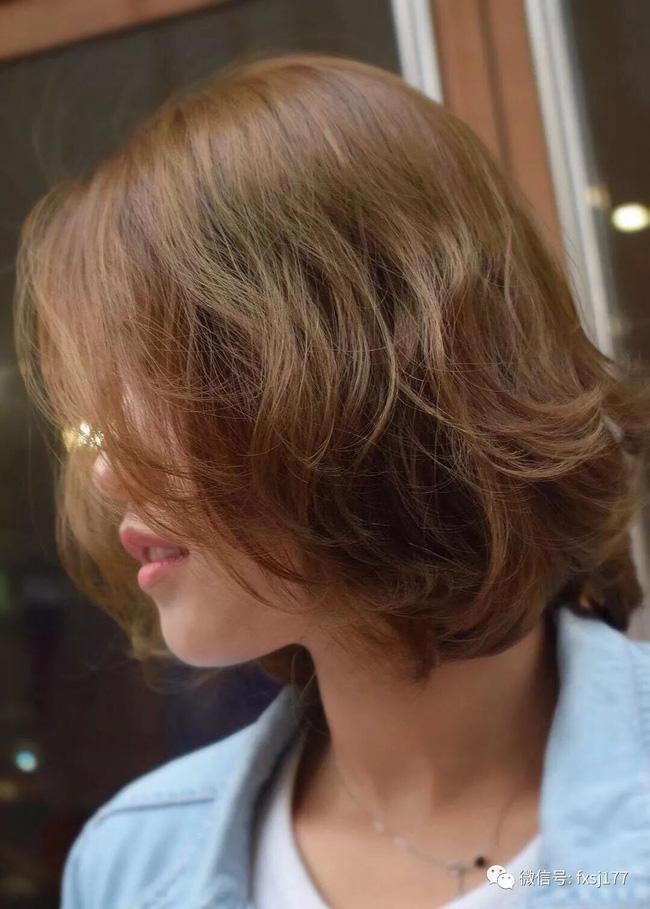 Dù tóc ngắn thì vẫn có 4 kiểu uốn xoăn đẹp quên sầu mà không già chút nào để chị em điệu đà diện Tết - Ảnh 8