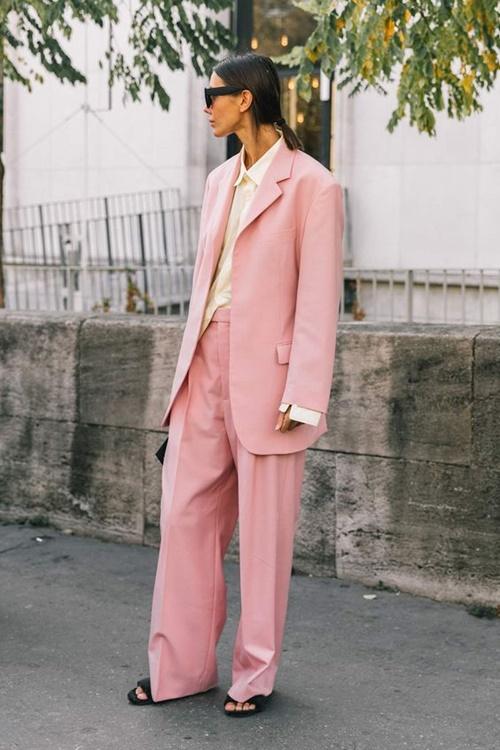 4 cách mặc màu hồng đặc biệt thật tuyệt! - Ảnh 2