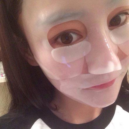 Đắp mặt nạ giấy xong có nên rửa lại không, 80% mọi người đang làm sai bảo sao da mãi vẫn xấu - Ảnh 1