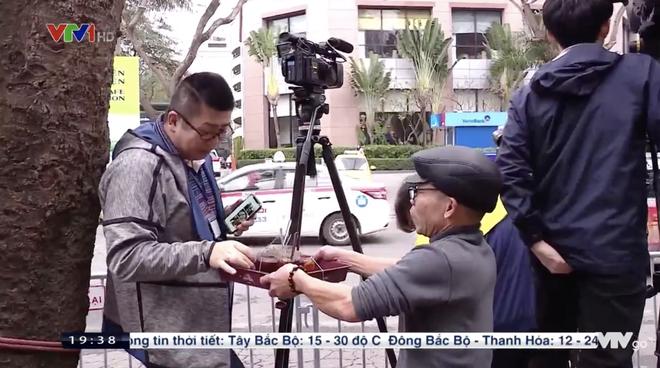 Hội nghị thượng đỉnh Mỹ - Triều: Ông chú Hà Nội phát trà đá miễn phí cho phóng viên, cô bán hàng tặng bạn bè quốc tế chiếc mũ Việt Nam - Ảnh 6