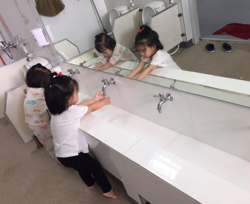 Sau ly hôn, Phạm Quỳnh Anh 'đứt ruột' khi cố làm người mẹ lạnh lùng, quay đi dù con gái gào khóc gọi mẹ - Ảnh 4