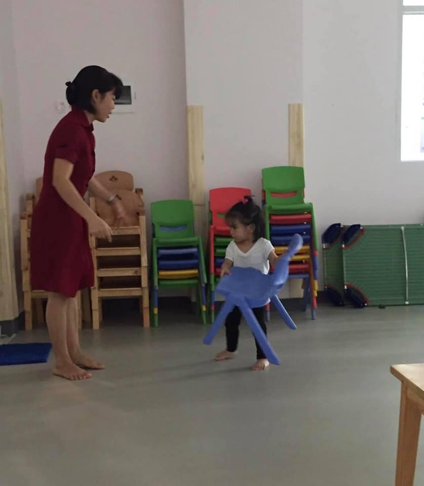 Sau ly hôn, Phạm Quỳnh Anh 'đứt ruột' khi cố làm người mẹ lạnh lùng, quay đi dù con gái gào khóc gọi mẹ - Ảnh 6