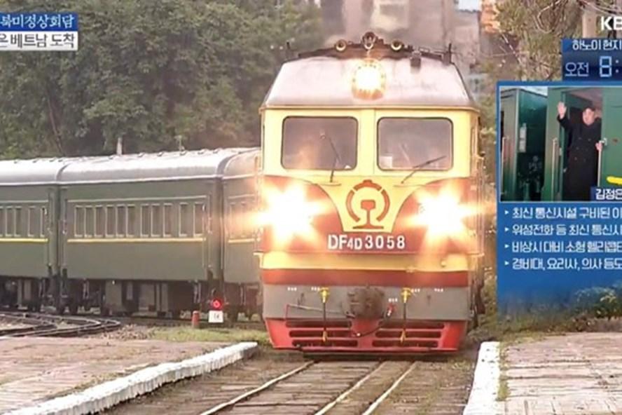 Vì sao Chủ tịch Kim Jong-un chọn đi tàu hoả mất 3 ngày mới tới Hà Nội? - Ảnh 1