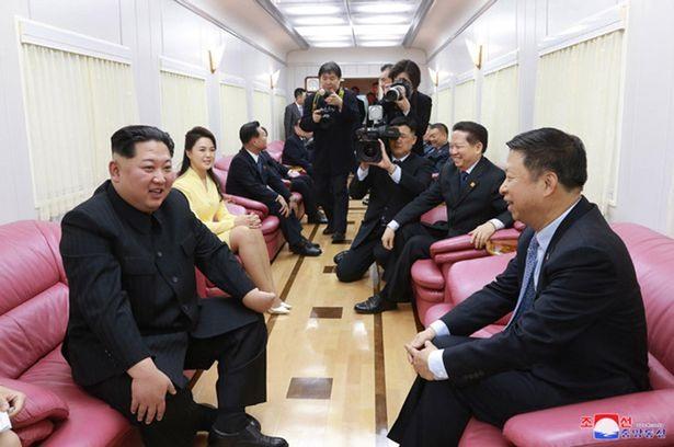 Vì sao Chủ tịch Kim Jong-un chọn đi tàu hoả mất 3 ngày mới tới Hà Nội? - Ảnh 2