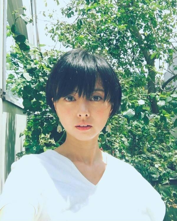 Vừa sinh con, nữ diễn viên nổi tiếng Nhật Bản lấy nhau thai nấu cho cả nhà - Ảnh 1