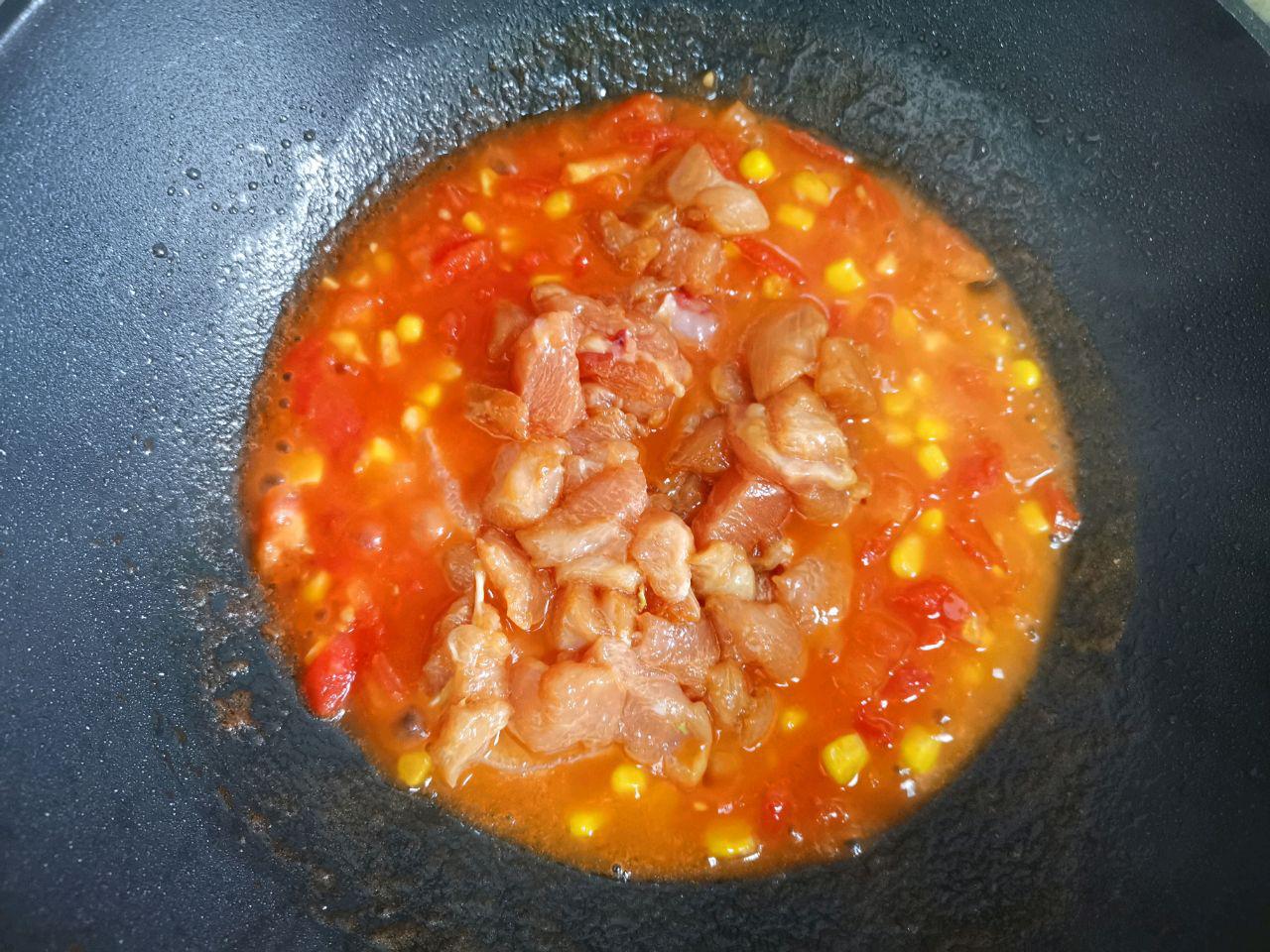 Hạn chế ra ngoài, mách bạn cách làm hộp cơm trưa siêu tốc chỉ cần 1 món thôi mà cũng ngon và đủ chất - Ảnh 4