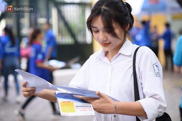 NÓNG: Bộ GD-ĐT đề nghị học sinh mầm non, tiểu học, THCS cả nước nghỉ tiếp 1- 2 tuần tới - Ảnh 1