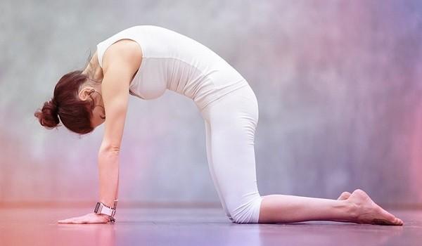 Chỉ cần dành 8 động tác Yoga này mỗi ngày để sở hữu rãnh bụng 11 - Ảnh 5