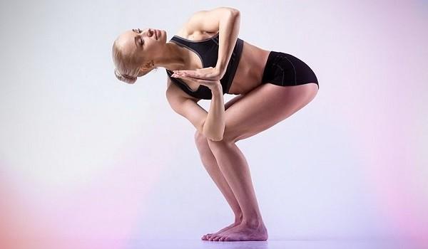 Chỉ cần dành 8 động tác Yoga này mỗi ngày để sở hữu rãnh bụng 11 - Ảnh 6