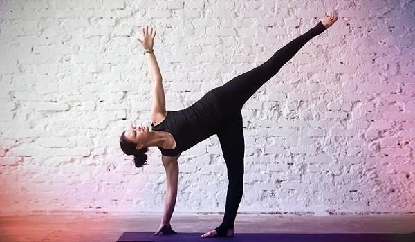 Chỉ cần dành 8 động tác Yoga này mỗi ngày để sở hữu rãnh bụng 11 - Ảnh 8