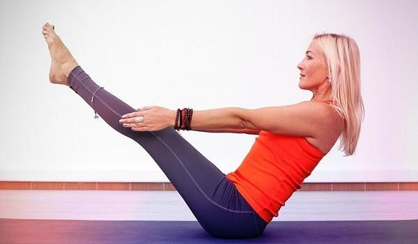 Chỉ cần dành 8 động tác Yoga này mỗi ngày để sở hữu rãnh bụng 11 - Ảnh 9