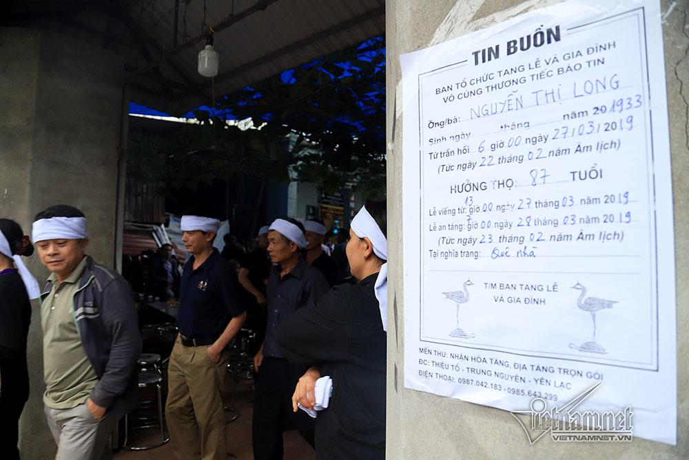 Tai nạn 7 người chết: Đại tang cả thôn, khăn trắng phủ kín đường làng - Ảnh 12