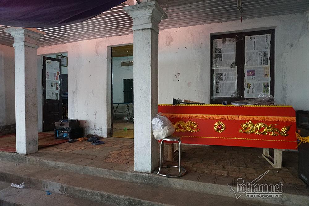 Tai nạn 7 người chết: Đại tang cả thôn, khăn trắng phủ kín đường làng - Ảnh 5