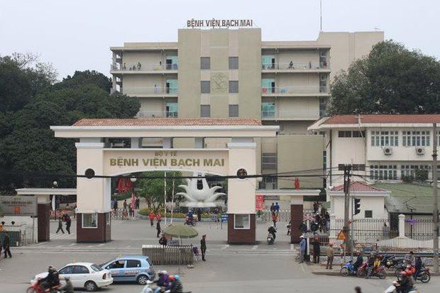 BV Bạch Mai tạm dừng đón tiếp bệnh nhân, cách ly toàn bộ bệnh viện sau khi ghi nhận 8 ca nhiễm Covid-19 - Ảnh 1