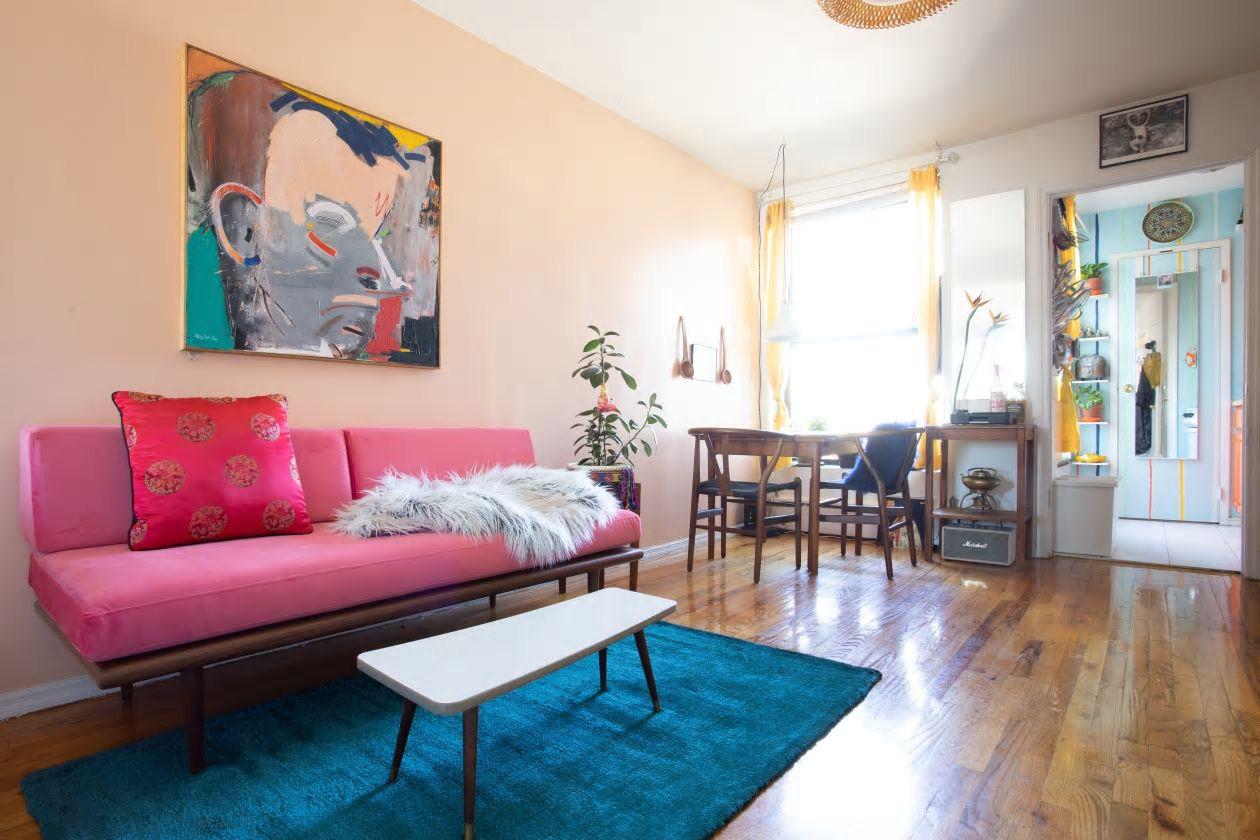 Căn hộ nhỏ 37m² sử dụng những màu sắc đáng kinh ngạc trong trang trí nội thất - Ảnh 2