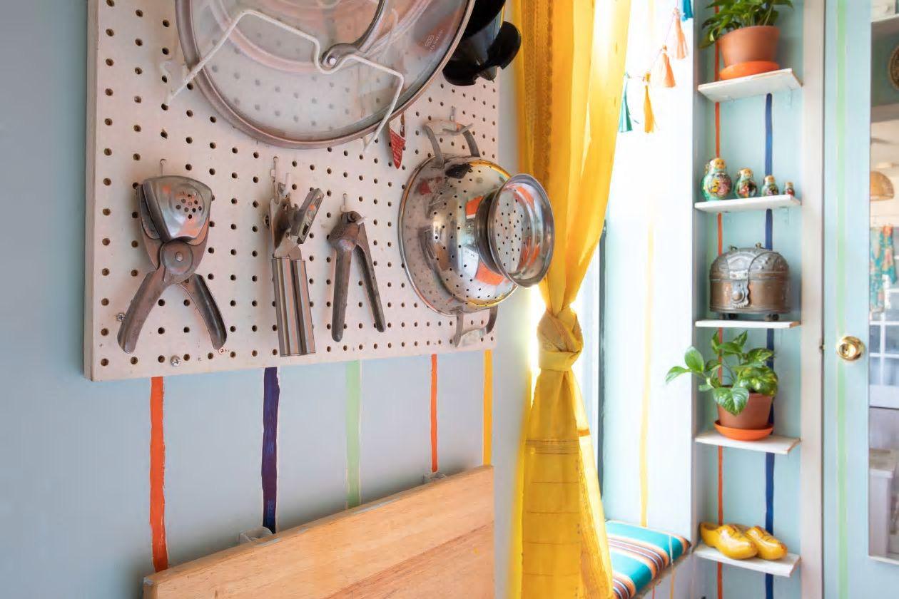 Căn hộ nhỏ 37m² sử dụng những màu sắc đáng kinh ngạc trong trang trí nội thất - Ảnh 6