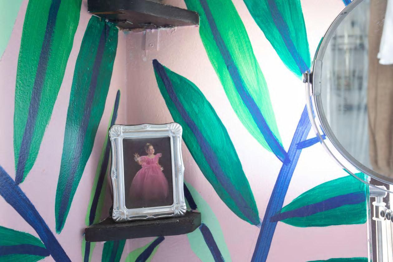 Căn hộ nhỏ 37m² sử dụng những màu sắc đáng kinh ngạc trong trang trí nội thất - Ảnh 7