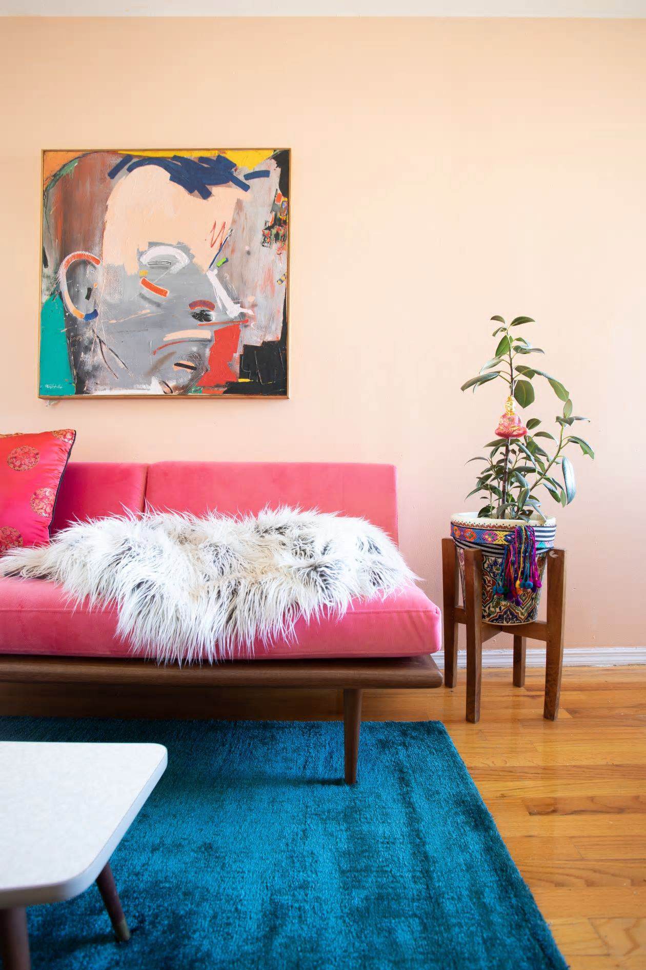 Căn hộ nhỏ 37m² sử dụng những màu sắc đáng kinh ngạc trong trang trí nội thất - Ảnh 10