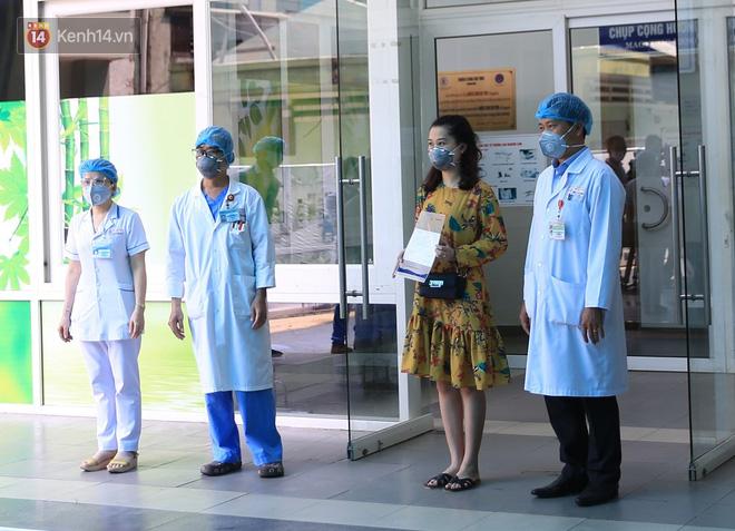 Tâm sự của bác sĩ chữa khỏi Covid-19 cho 3 bệnh nhân ở Đà Nẵng: 'Chúng tôi hứa sẽ tiếp tục chiến đấu vì cuộc chiến này còn dài' - Ảnh 1
