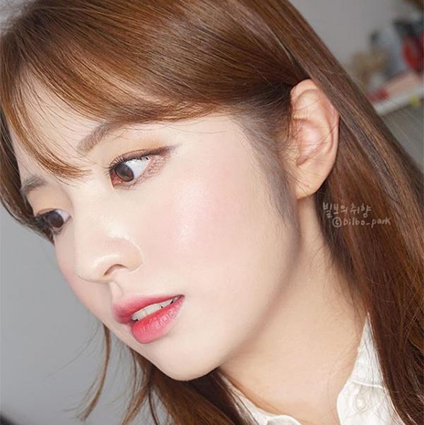 6 mẹo trang điểm hay ho của các idol Hàn cho da mịn mướt hơn - Ảnh 2