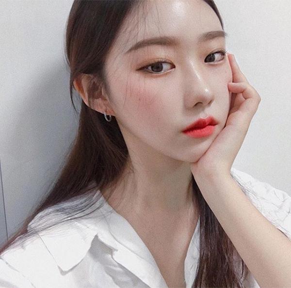 6 mẹo trang điểm hay ho của các idol Hàn cho da mịn mướt hơn - Ảnh 4