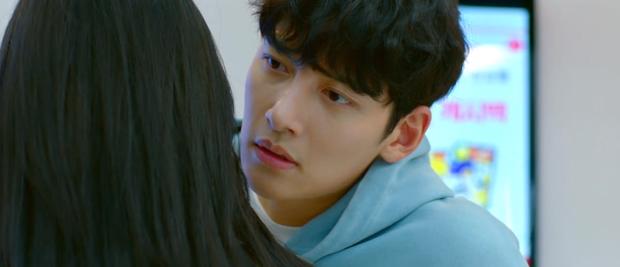 Rating Backstreet Rookie của Ji Chang Wook rơi nhẹ vì tấu hài quá lố, gu khán giả bây giờ mê 'drama' mà các ông ơi! - Ảnh 4