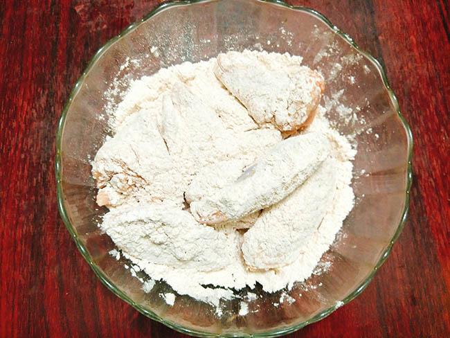 Cánh gà nướng bơ tỏi giòn tan, thơm nức mũi, sức hấp dấn không thể chối từ - Ảnh 2