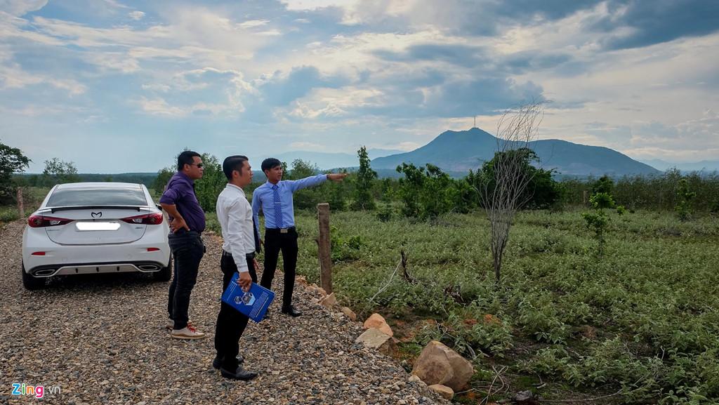 Lập dự án 'ảo' để phân lô bán nền ăn theo sân bay Phan Thiết - Ảnh 2