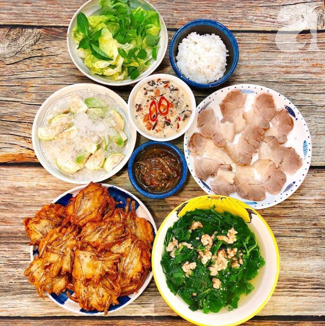 Khỏi lo thiếu ý tưởng đi chợ với 6 mâm cơm ngon đẹp 10 phân vẹn 10 của mẹ đảm Nha Trang chia sẻ - Ảnh 2