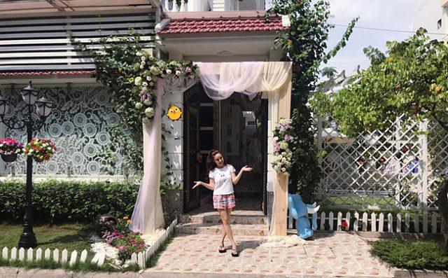 Chuyện đời ít ai biết của Vy Oanh: Từng đi bưng bê, rửa chén trước khi ở nhà tiền tỷ, đi siêu xe - Ảnh 5