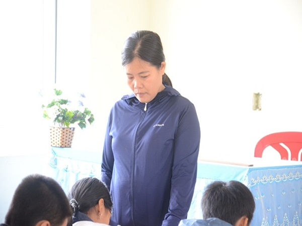 Cô giáo phạt tát học sinh 231 cái nhập viện bất thường, nghi... tự vẫn - Ảnh 1