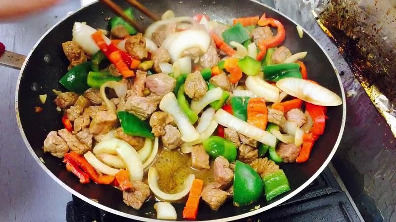 Cho thịt bò vào ngâm trong thứ nước này 10 phút, đảm bảo khi xào sẽ chẳng bị dai, khô nữa - Ảnh 3