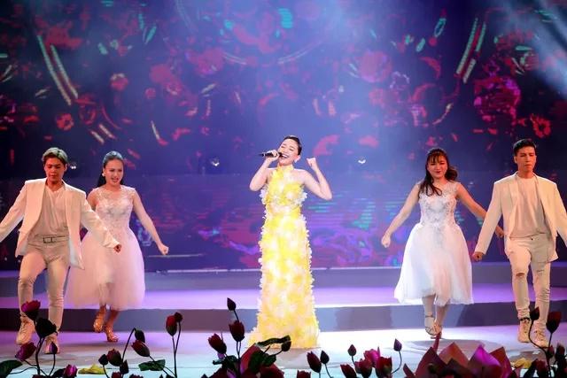 Ca sĩ Tóc Tiên tiết lộ bí quyết khi bị hỏi chuyện hôn nhân ngày Tết - Ảnh 1