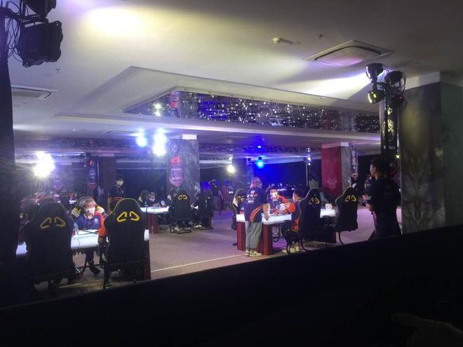 Gần 100 game thủ tụ tập thi đấu ở Cocobay Đà Nẵng trong đợt cao điểm phòng, chống dịch Covid-19 - Ảnh 1