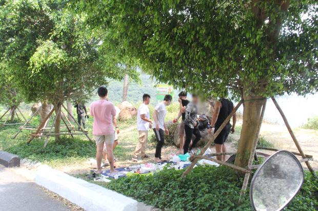 Hàng trăm người ở Đà Nẵng lên rừng tụ tập trong đợt cao điểm phòng chống dịch Covid-19 - Ảnh 1