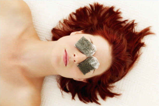 8 cách hay giúp đánh tan bọng mỡ mắt cực hiệu quả bằng nguyên liệu có sẵn tại nhà - Ảnh 4
