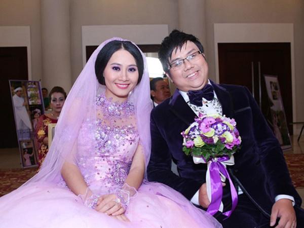 3 năm sau ly hôn, Gia Bảo khó xử vì bức ảnh cưới 'bỏ thì kỳ mà để lại càng kỳ' - Ảnh 1