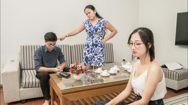 """Con trai ngoại tình, mẹ chồng hành động khiến con dâu """"đứng hình"""" - Ảnh 1"""