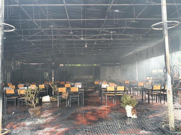 Nhà hàng MC Nguyên Khang bất ngờ cháy rụi khi vừa mở lại sau dịch: Thiệt hại 100%, phải nén buồn để giải quyết mọi chuyện - Ảnh 2