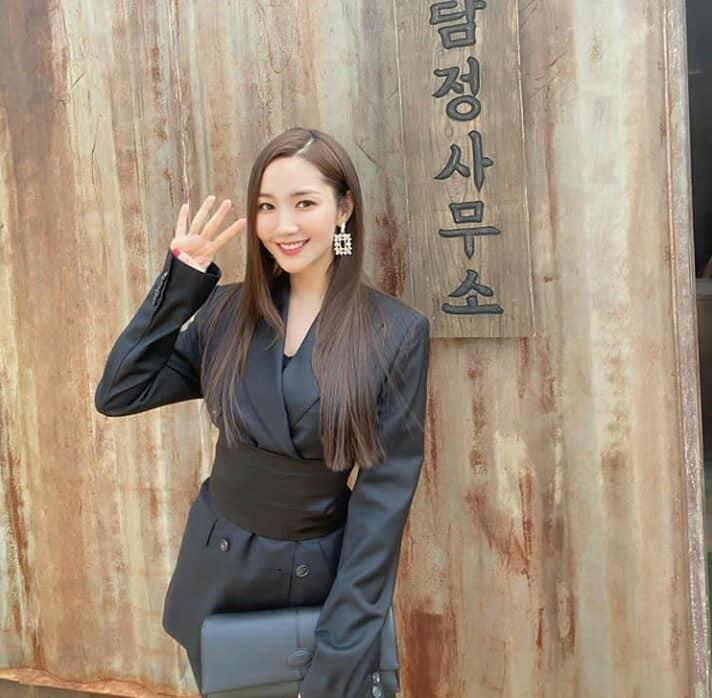 Sang chảnh như Jennie (Black Pink) vẫn lép vế toàn tập trước Park Min Young: Đúng là 'gừng càng già càng cay' - Ảnh 1