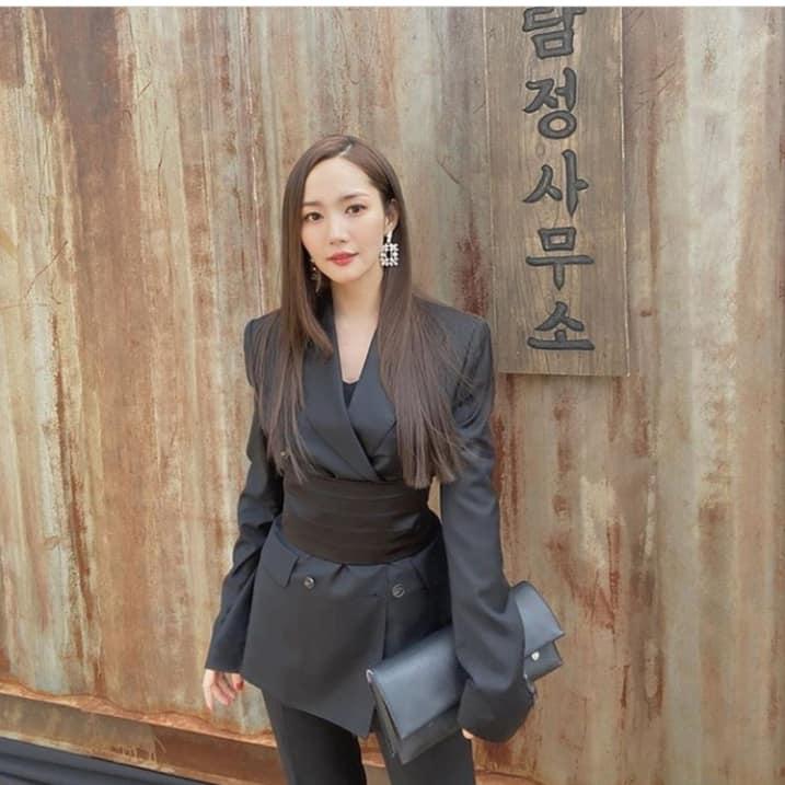 Sang chảnh như Jennie (Black Pink) vẫn lép vế toàn tập trước Park Min Young: Đúng là 'gừng càng già càng cay' - Ảnh 2