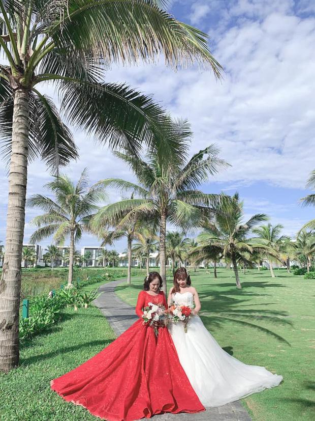 Sau 1 tuần nâng mũi, cô dâu 62 tuổi tự tin chụp hình cưới cùng cô dâu 65 tuổi ở Đà Nẵng khiến nhiều người xôn xao - Ảnh 1