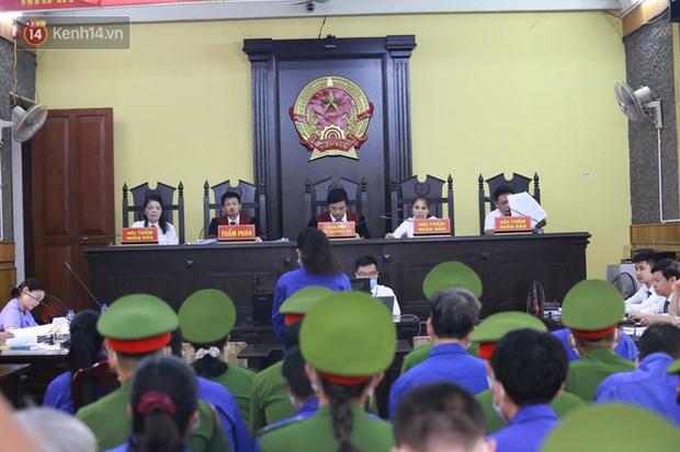 Tuyên án vụ gian lận thi THPT ở Sơn La: Cao nhất 21 năm tù, thấp nhất 30 tháng tù treo - Ảnh 1